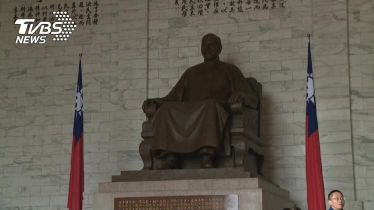圖/TVBS T怪客踢新聞/保衛台灣還得靠他