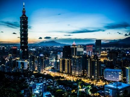 夜遊台北 !5個「在地人大推」的私房景點!