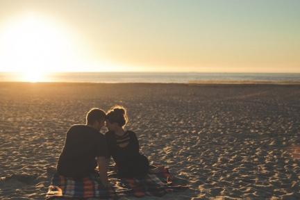 愛情的每一刻,都能安心做自己!阿德勒教你增加感情勇氣的日常練習!