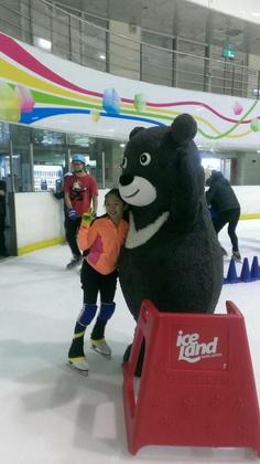 熊讚第一次任務-台北小巨蛋冰宮/圖片來源:臺北市觀光傳播局