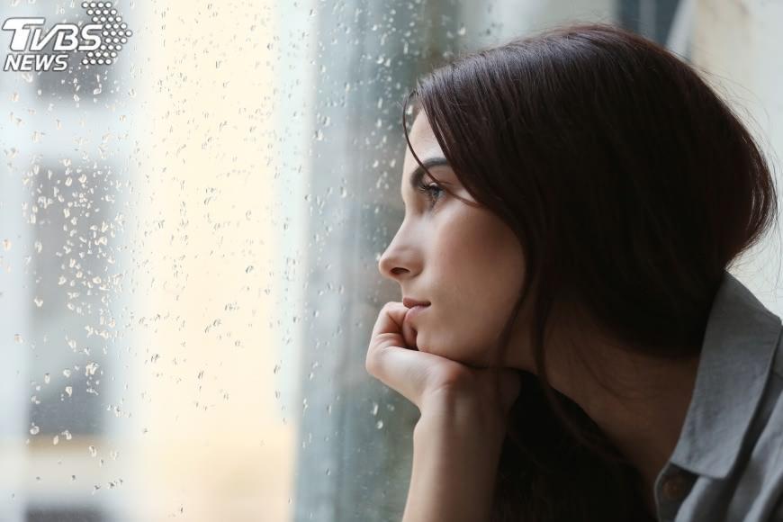 圖/TVBS 你也患「季節性情緒失調症」? 專家:吃麵包可改善!