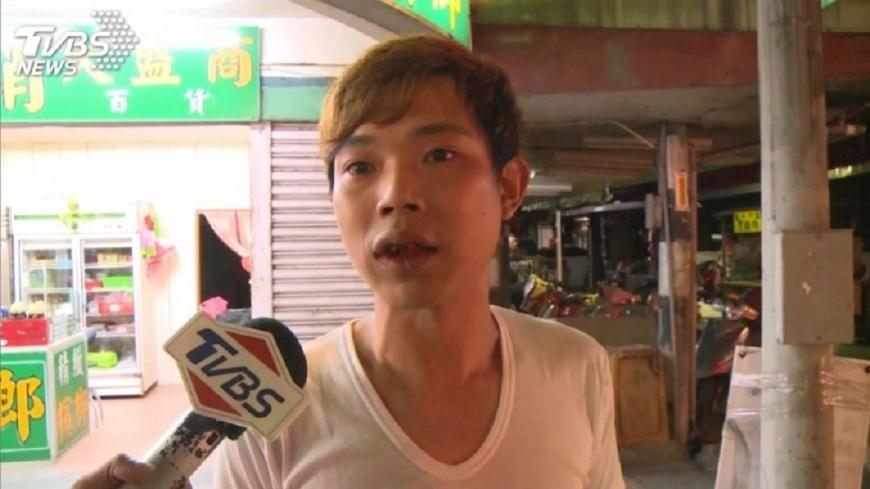 面對媒體鏡頭,3兒子一度否認和他有關。圖/TVBS 鵝肉店大火母命危 3兒子病床前下跪:都是我害的