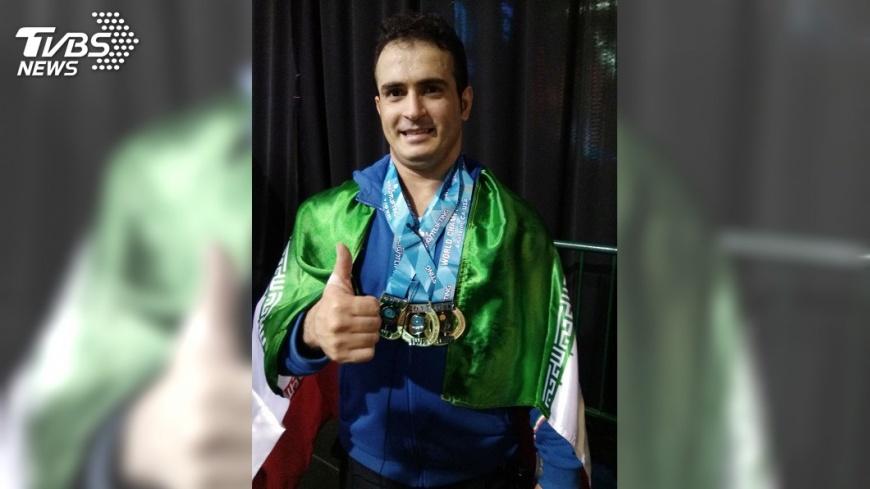 圖/中央社 舉重世錦賽 伊朗莫拉迪破兩世界紀錄