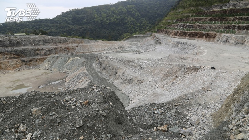 圖/中央社 礦業法草案要求補辦環評 亞泥這樣回應