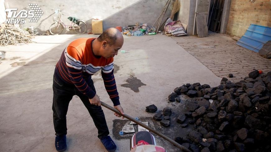 圖/達志影像路透社 「爐子沒了怎燒煤?」 煤改氣急轉彎惹民怨