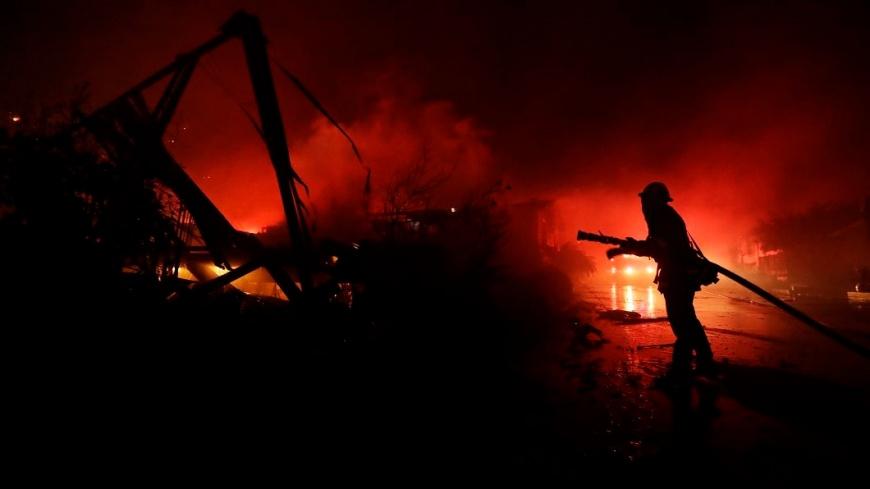 圖/達志影像美聯社 加州野火肆虐 消防員家也燒成廢墟