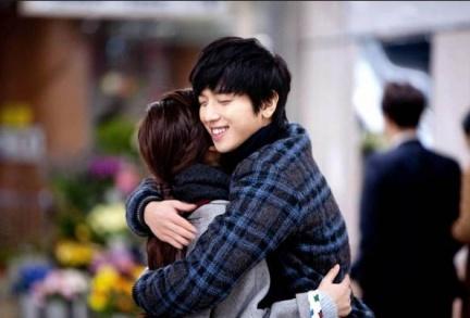 1214擁抱情人節,你知道韓國人一年要過15個情人節嗎?