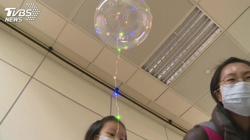 圖/TVBS 跨年晚會 高市禁販帶發光氣球及管制空拍機
