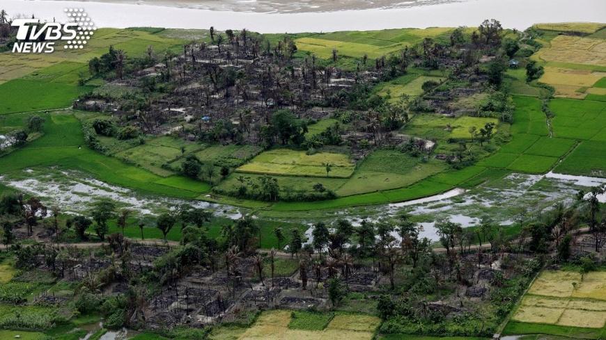 圖/達志影像路透社 嚇!緬甸若開邦村落發現亂葬崗 挖出10具骸骨