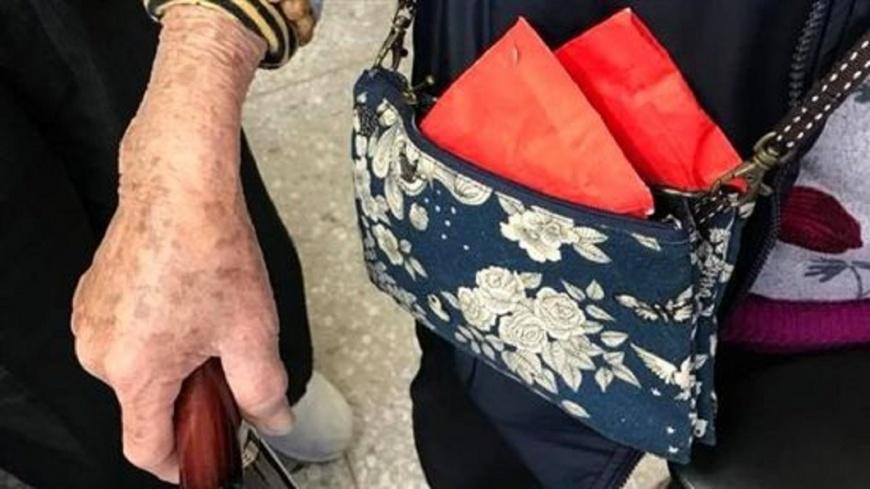 圖/翻攝竹東警好讚臉書 阿嬤的復仇!露出「超厚紅包」 成功釣到慣竊