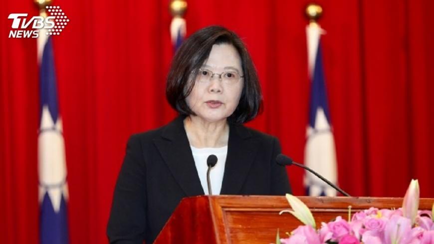 圖/中央社 蔡總統推特談政績 台股登高、失業率創低