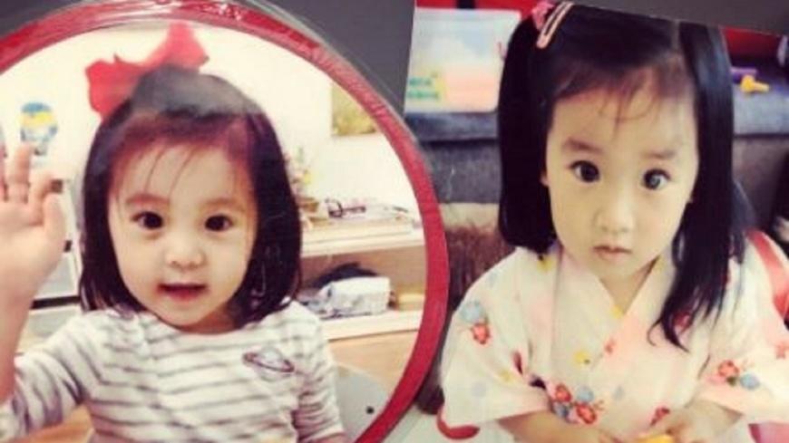賈靜雯在臉書曝光咘咘(左)和梧桐妹(右)小時候照片做對比。翻攝/賈靜雯臉書 咘咘神複製梧桐妹!賈靜雯曬照驚呼:「穿越時空」