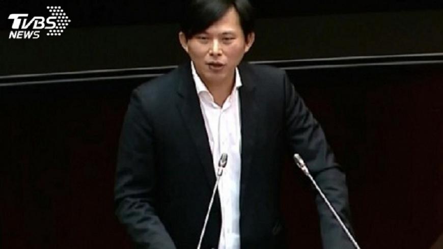 圖/TVBS資料畫面 黃國昌指彰銀經理收回扣 國庫署:徹查