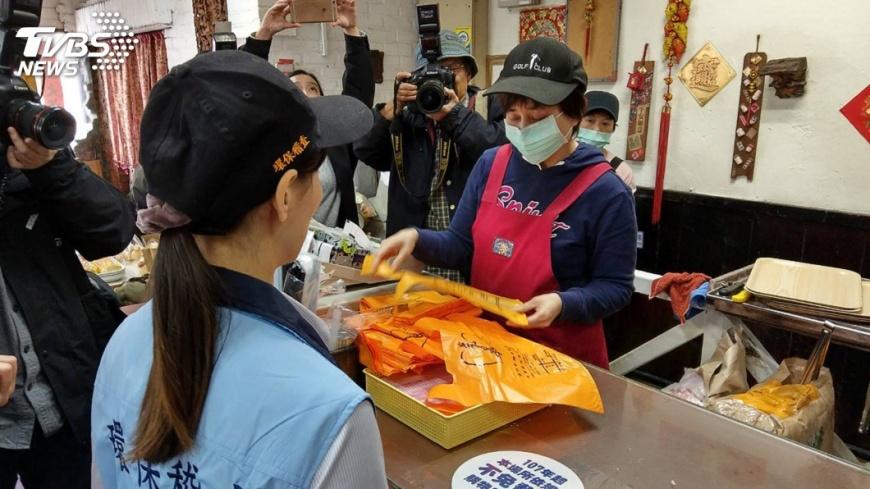 圖/中央社 環保署重申 直接包裝食物塑膠袋非限塑範圍內