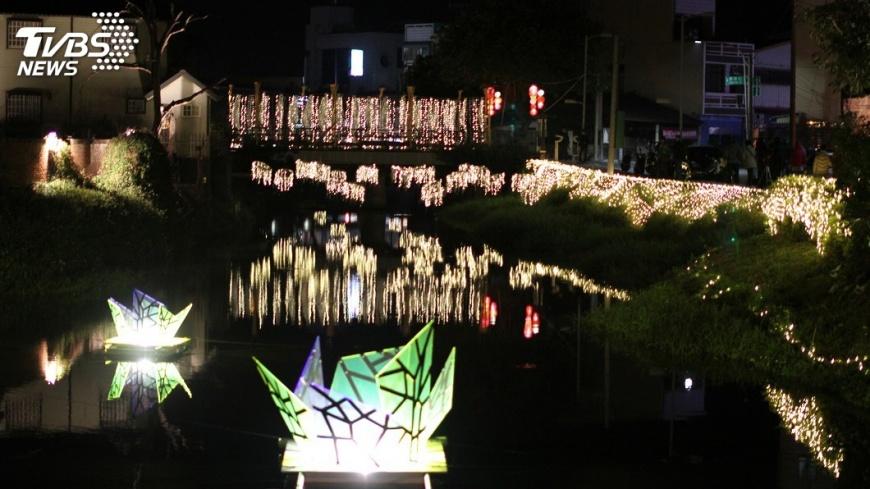 圖/中央社 強化作品與地景結合 月津港燈節更美