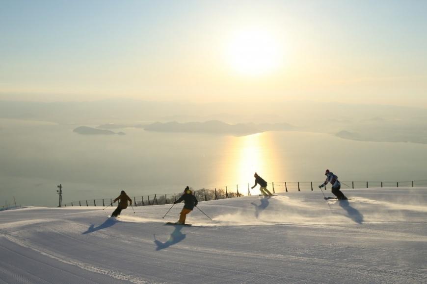圖片來源/WAmazingSnow琵琶湖滑雪場