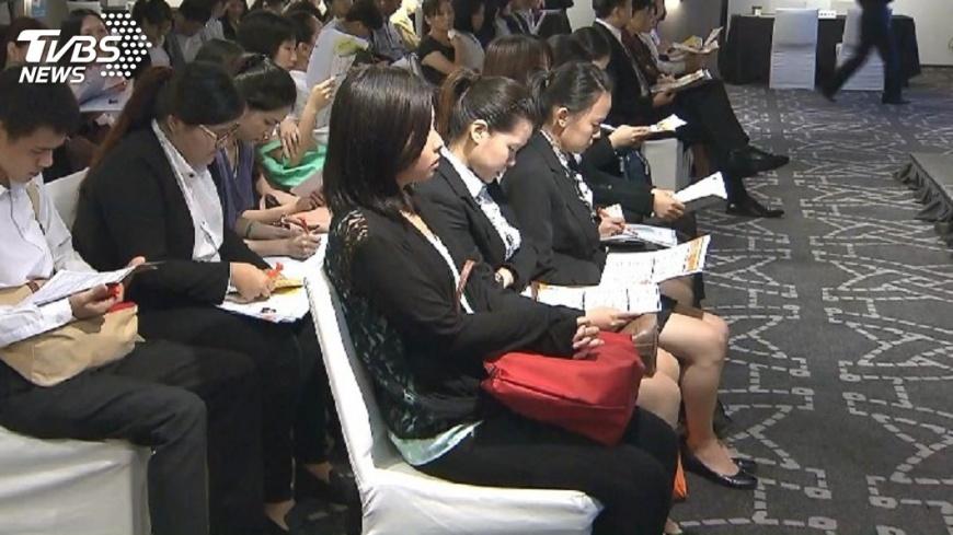 圖/TVBS 創17年最低!就業穩定 106年失業率3.76%