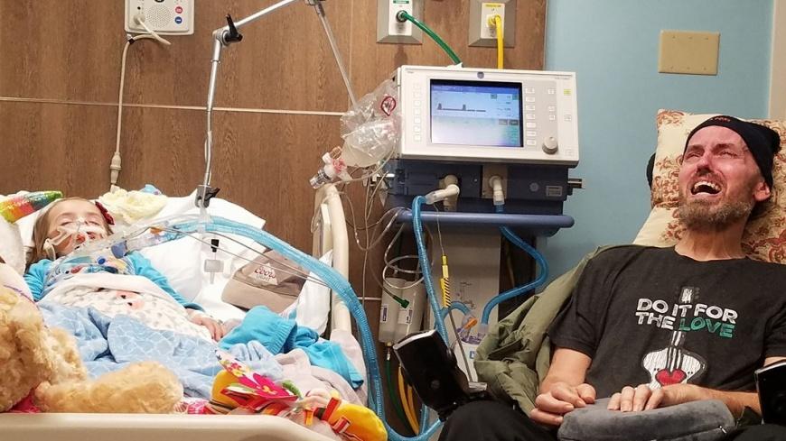 圖/臉書 Ally Parker 罹癌孫女將病逝 啞巴爺爺「無聲痛哭」令人鼻酸