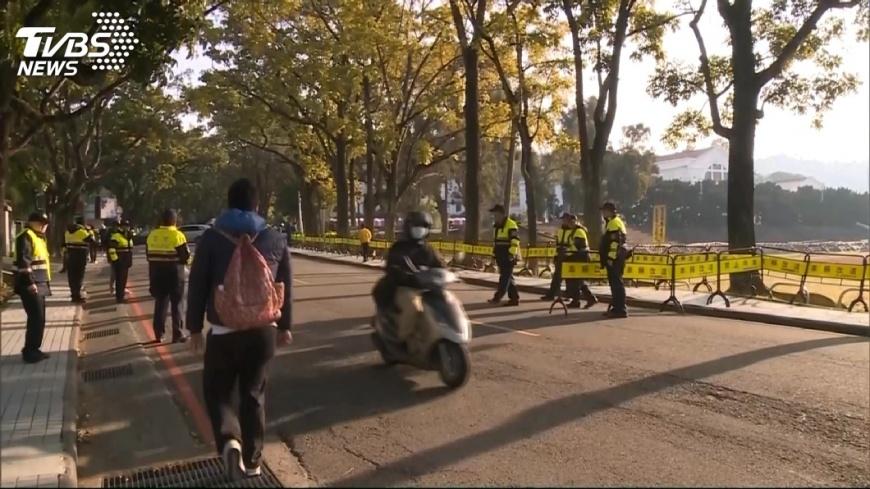 蔡英文前往中興新村輔選,警方派出大批警力維安。圖/TVBS