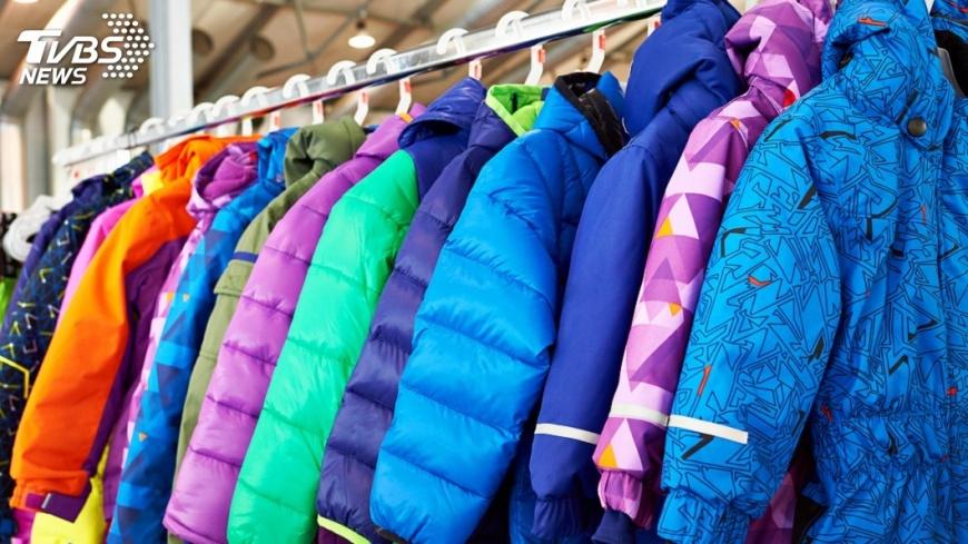 示意圖/TVBS 心疼山上學童受凍 暖警自掏腰包送冬衣