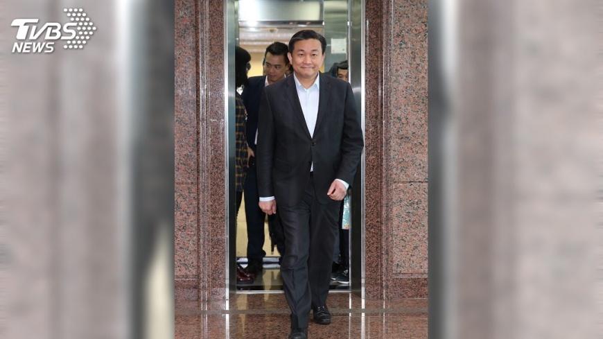 圖/中央社 王定宇登記台南市長初選 有信心勝出