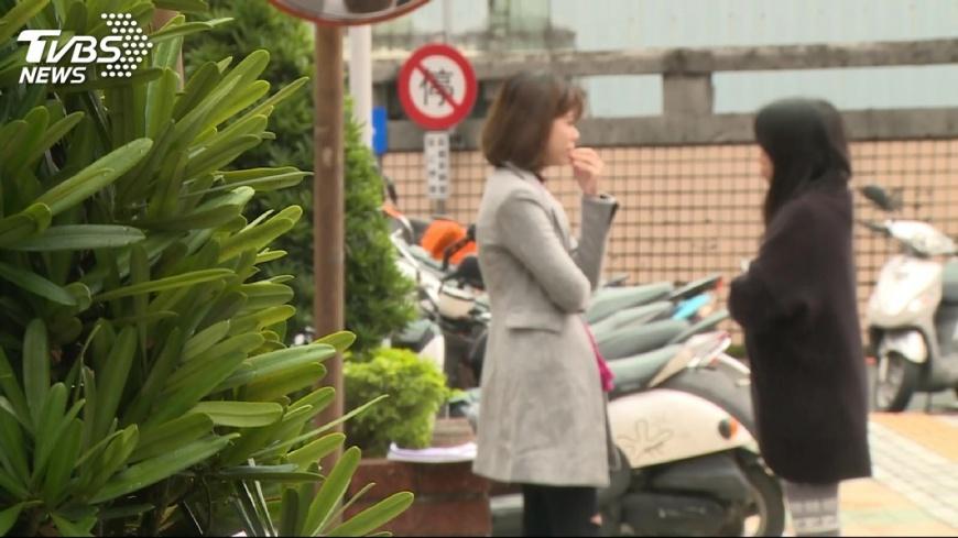 圖/TVBS 「養你還劈腿!」女幫付生活費 控外籍男詐欺