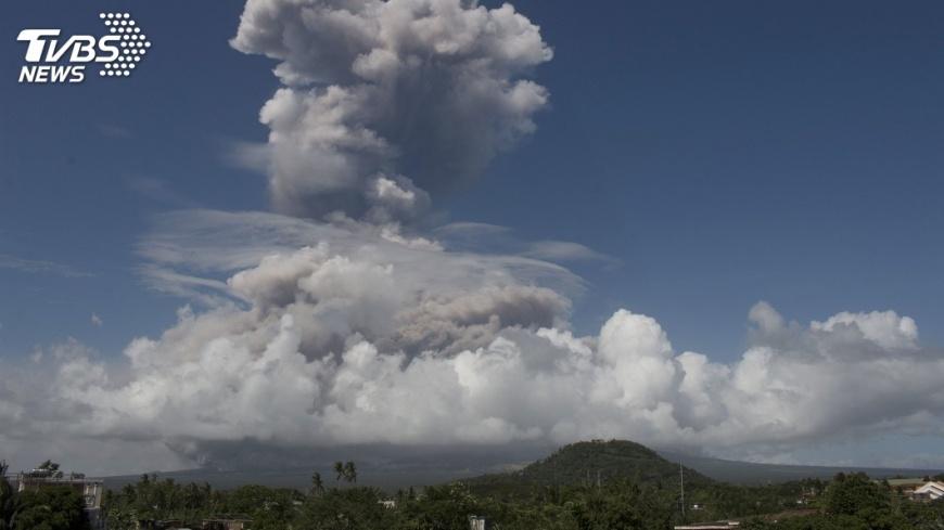 圖/達志影像美聯社 菲國馬永火山警戒升級 危險性爆發在即