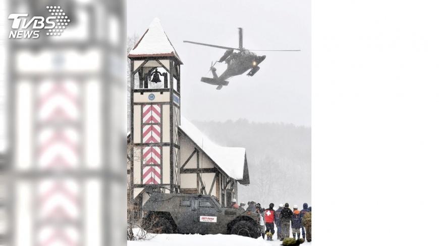 圖/達志影像路透社 日本草津滑雪場 15名受困台人平安下山