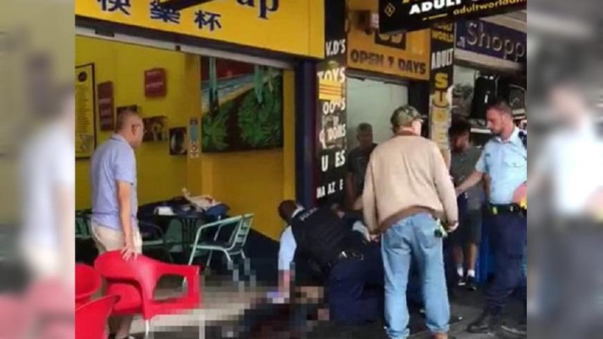圖/DailyMail 雪梨咖啡廳傳槍響 1人喪命槍手在逃