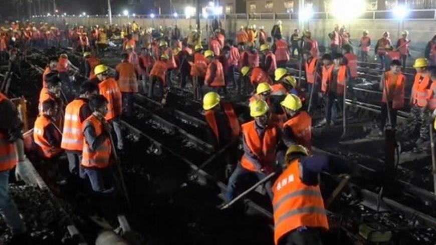 翻攝/梨視頻 福建工人9小時改造火車站 英媒驚呼:這才是效率!
