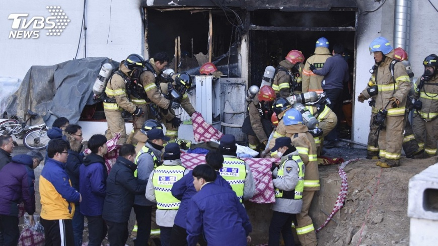圖/達志影像美聯社 15年來最慘重 南韓醫院大火奪41命