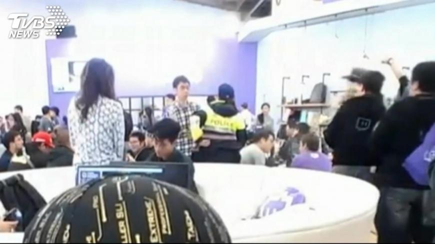 比利上月曾持刀闖台北國際電玩展鬧事。圖/TVBS資料畫面