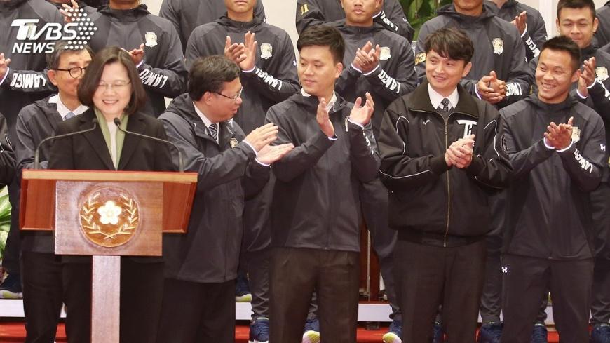 圖/中央社 首接見王柏融 蔡總統:沒見過這麼害羞大王