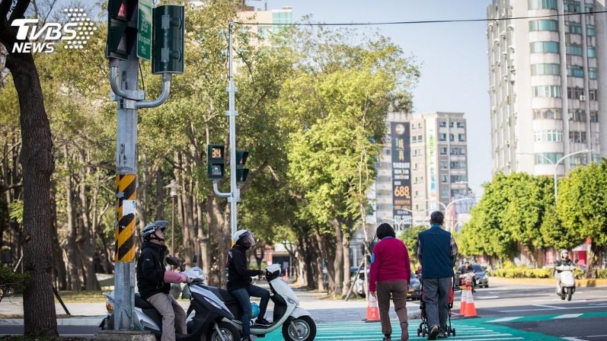 圖/中央社 馬路如虎口危險多! 新北增交通設施顧安全