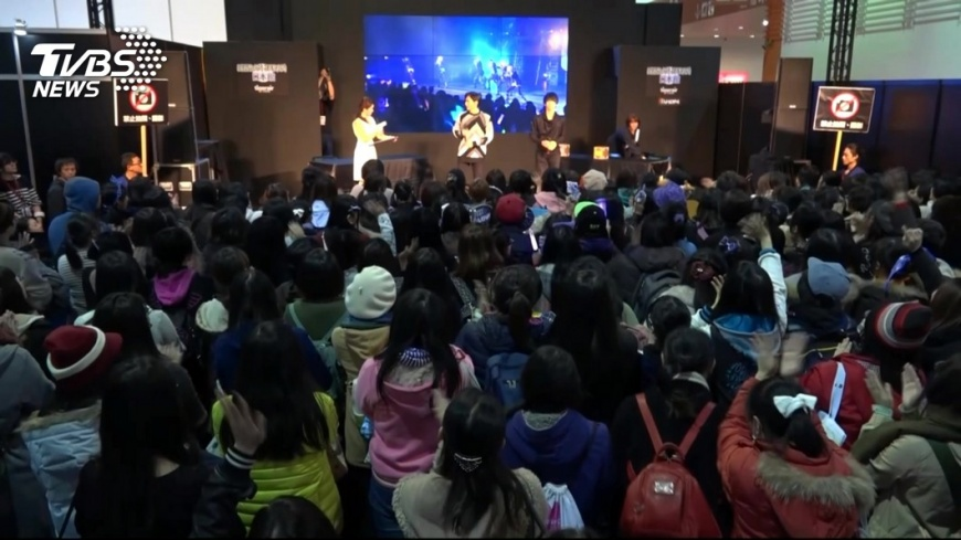 圖/TVBS 無懼強力寒流來襲 動漫展日本展區人潮滿