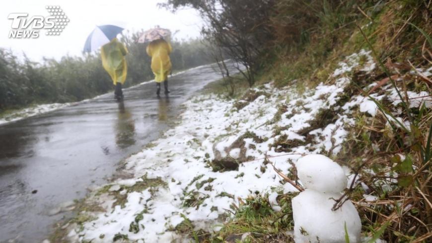 圖/中央社 北台灣急凍10度以下 高山降雪平地整天雨