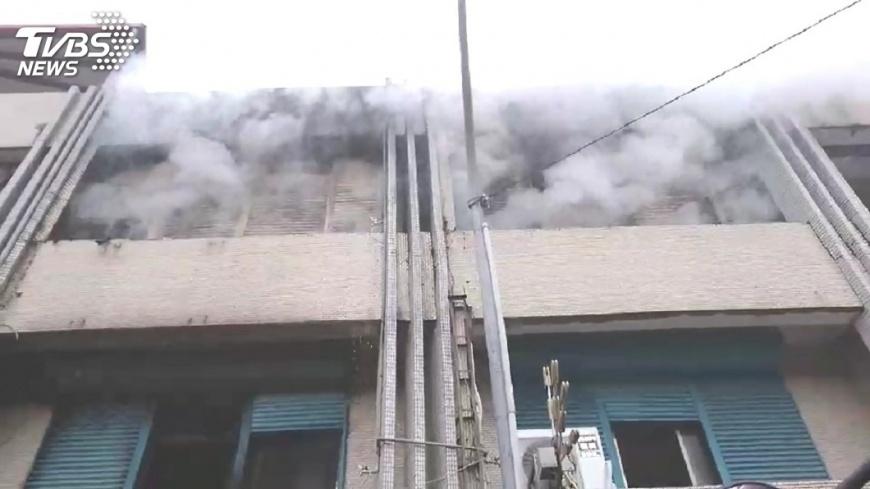 圖/TVBS 宜蘭火警民眾跳樓逃生! 2死、4人輕重傷