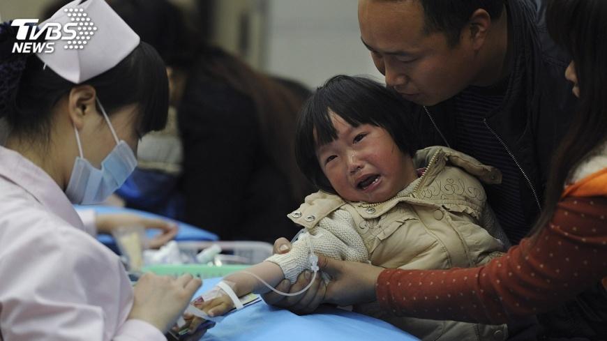 圖/達志影像路透社 香港流感肆虐 幼稚園小學提前放年假