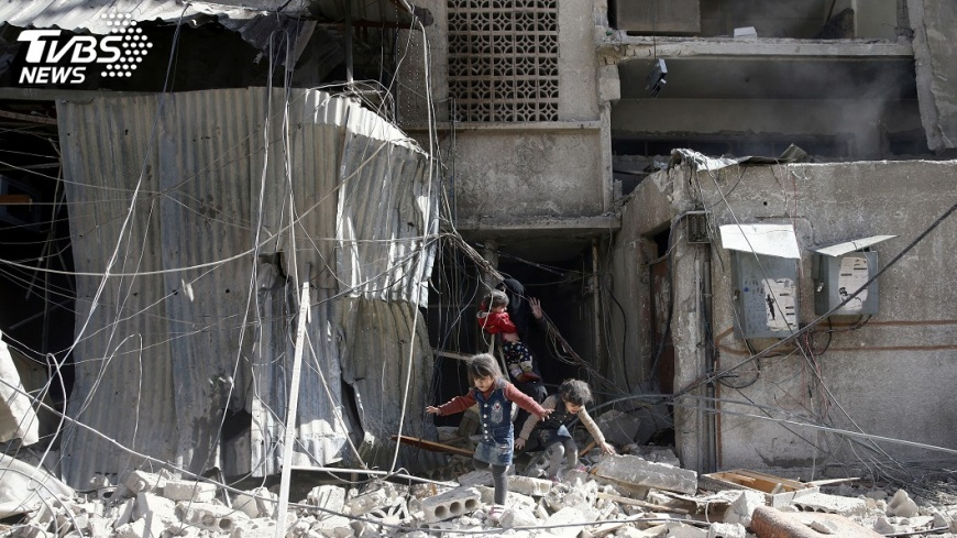 圖/達志影像路透社 敘政府軍空襲叛軍掌控區 32平民喪命