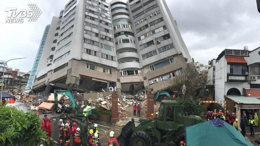 花蓮強震造成雲翠大樓倒塌,釀嚴重死傷。圖/中央社