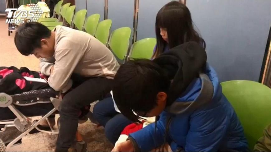 地震發生後,傷患湧入門諾醫院。圖/TVBS 母被震到發抖!護理長丟話「媽!要忙了」 飆速破百救人