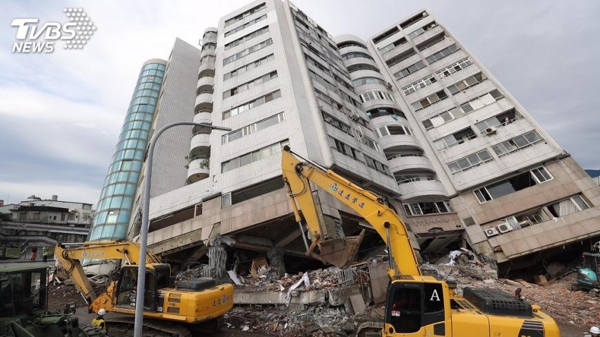 圖/中央社 建物倒塌 傅崐萁:報請刑事調查究責到底