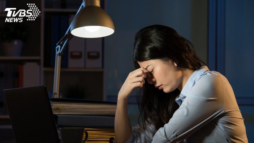 示意圖/TVBS 流感肺炎年齡層降 醫師籲年輕人少熬夜