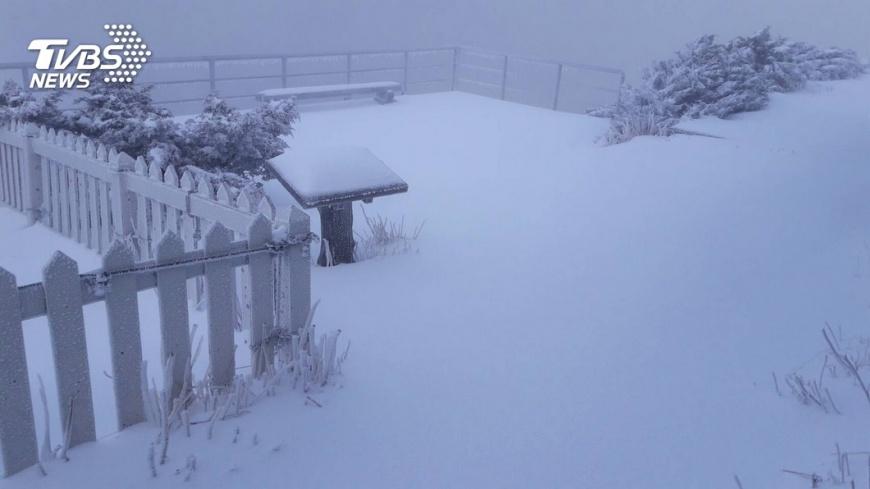 (圖/TVBS資料畫面) 玉山有望迎初雪!入冬最強冷空氣將報到 低溫急凍13度