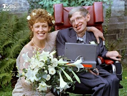 霍金婚姻的四角戀:現實是最大的敵人
