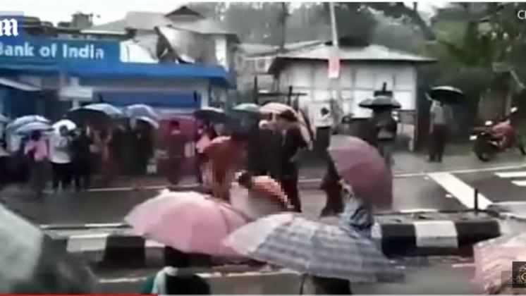男子性侵少女遭扒光遊街示眾,圖/截取自YouTube