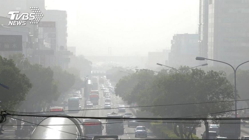 幾乎全台空氣品質都不好,圖/TVBS資料畫面 口罩戴好!午後臭氧濃度上升 全台空品差