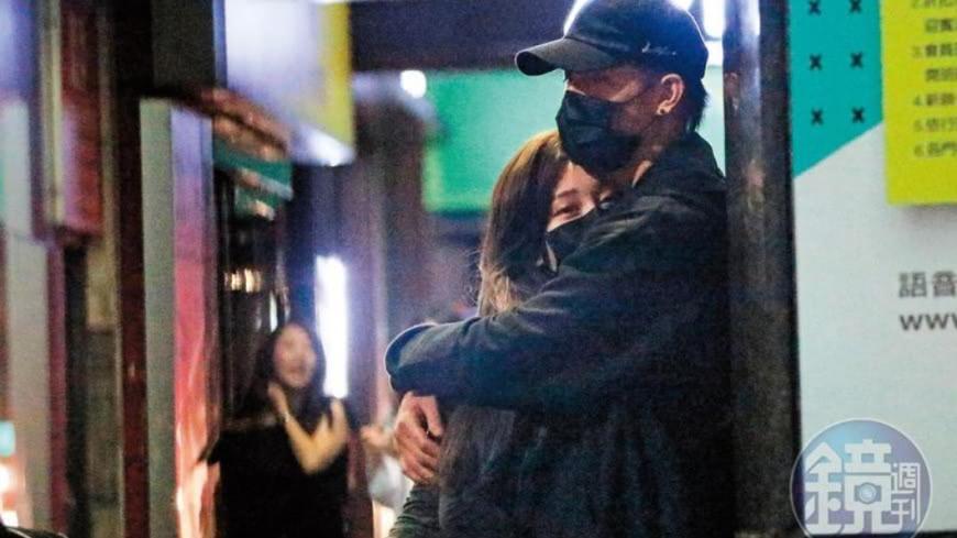 陳彥允和篠崎泫被拍到在街頭親密摟抱,事後卻堅稱兩人只是朋友。圖/鏡周刊