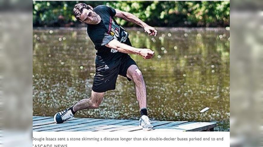 圖/THE SUNDAY TIMES 影/世界紀錄算啥!他「打水漂」差點飛到對岸