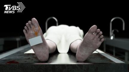 爸送醫2小時亡 女兒潛停屍間看遺體…氣炸「還有呼吸」